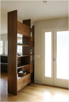 Interior decorating tips – 12 ideas for a wonderful entrance - Eingang Interior Decorating Tips, Interior Design Tips, Studio Apartment Divider, Creating An Entryway, Diy Wooden Projects, Cosy Home, Home Decor Inspiration, Home Renovation, Tall Cabinet Storage