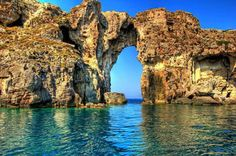 A natural bridge at the islet of Sfaktiria, Pylos, Peloponnese, Greece (ΤΒοΗ) Most Beautiful Beaches, Beautiful World, Beautiful Places, Oh The Places You'll Go, Places To Travel, Places To Visit, Travel Destinations, Places In Greece, Natural Bridge
