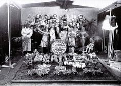 Beatlemaníaca desde eu ainda me surpreendo com fotos incríveis dos Beatles [e que eu NUNCA tinha visto na vida]. Beatlemaniac since I am still surprised by incredible pictures of the Beatles [and that I had NEVER seen in my life]. George Harrison, Paul Mccartney, John Lennon, Ringo Starr, Sgt Pepper Album Cover, Shirley Temple, The Lovin' Spoonful, Historia Do Rock, Beatles Sgt Pepper