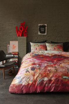 Verrassende bedtextiecollectie van Beddinghouse, gemaakt in samenwerking met kunstenares Wilma Veen.
