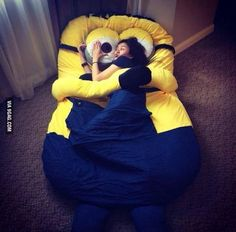 Funny pictures about I May Need This Minion Bed In My Life. Oh, and cool pics about I May Need This Minion Bed In My Life. Also, I May Need This Minion Bed In My Life photos. Minions Love, My Minion, Minion Stuff, Minion Beanie, Minions Fans, Minion Banana, Minion Jokes, Minion Party, Sleepsack