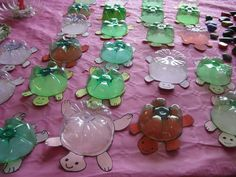 Bottle bottom turtles - too cute!  Just need a turtle shape and the bottom of a 2-liter bottle! (for a big turtle) or you can use smaller bottles for smaller turtles.  Make it fun and let the kids decorate their turtles with glitter and stickers too!!
