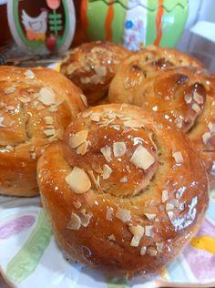 Greek Easter Bread, Greek Sweets, Easter 2021, Greek Recipes, Sweet Bread, Doughnut, Muffin, Food And Drink, Cookies