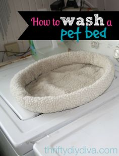 How to clean a pet bed - http://thriftydiydiva.com/how-to-wash-and-clean-a-pet-bed/ #pets #cleaningtips