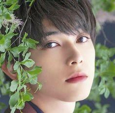 ˗ˏˋfollow pleazeˎˊ˗ (@♡milk_mochi♡) #先輩 #senpai Cute Japanese Boys, Japanese Men, Asian Boys, Asian Men, Ryo Yoshizawa, Bad Boy Aesthetic, Flower Boys, Portraits, Ulzzang Boy