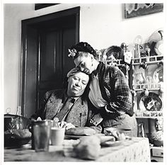 Citation: Diego Rivera and Frida Kahlo, 1941 / Emmy Lou Packard, photographer. Emmy Lou Packard papers, Archives of American Art, Smithsonian Institution.