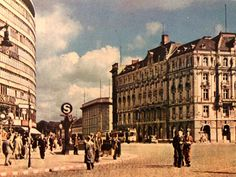 """Vintage Berlin auf Instagram: """"#PotsdamerPlatz in #Berlin - #Motiv von #Postkarte gelaufen am 05.12.1943"""" Berlin, Potsdamer Platz, Louvre, Street View, Building, Travel, Vintage, Instagram, Design"""