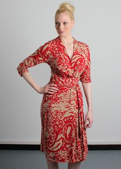 Pitot Abstract Dress in rich biscuit and lipstick red - gorgeous on D to H cups. www.saintbustier.com