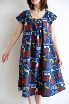 Free pattern for front tuck dress! Tuck Dress, Diy Dress, Japanese Sewing, Japanese Fabric, Blouse Patterns, Clothing Patterns, Dressmaking Fabric, Dress Tutorials, Silhouette