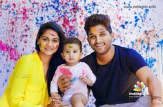 Rare and Unseen Family Images of Allu Arjun Family Images, Family Photos, Sneha Reddy, Allu Arjun Wallpapers, Scene Couples, Allu Arjun Images, Galaxy Pictures, Family Photo Frames, Couple Photoshoot Poses
