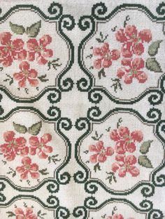 Cross Stitch Rose, Cross Stitch Borders, Cross Stitch Flowers, Cross Stitch Embroidery, Hand Embroidery, Cross Stitch Patterns, Hobbies And Crafts, Diy And Crafts, Rugs
