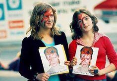 David Bowie fans, Earl's Court, 1977 ⚡️ #davidbowie #starman #davidbowiefan #1970s #1970svintage #1970smusic