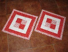 Červeno-bílé prostírání