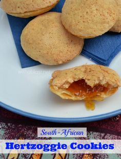 One of the most popular cookies in South-Africa ~ Hertzoggies are jam/jelly filled cookies with a light coconut, meringue topping Best Dessert Recipes, Unique Recipes, Easy Desserts, Delicious Desserts, Yummy Food, Yummy Recipes, Bar Recipes, Diet Recipes, Recipies
