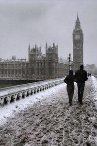 Snow on Westminster Bridge HTC Butterfly Wallpaper