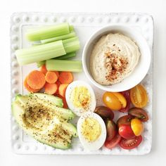 Veggies in the Raw Bistro Box - A healthy and easy take on an adult lunch box that's filling and delicious!