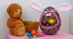 Easter egg baskets - The Easter bunny will be hopping over to your place soon so why not give him a place to leave all those eggs.