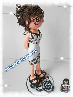 Muñequita fofucha con vestido pintado a mano  Muñequitas fofuchas de goma eva Creacionesreme