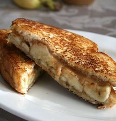 White Chocolate Peanut Butter & Caramelized Banana Sandwich Oh My Goodness! Banana Sandwich, Grilled Sandwich, Great Recipes, Snack Recipes, Favorite Recipes, Diabetic Recipes, Caramelized Bananas, Chocolate Peanut Butter, White Chocolate
