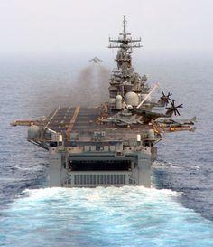 USS Kearsarge (LHD 3) in 2005