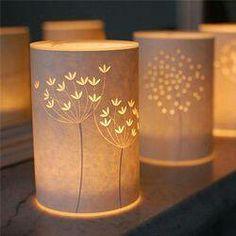 Lampes en papier découpé