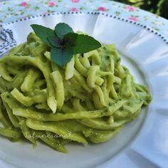 Espaguete de pupunha com molho refrescante de Abacate | Tofuncional