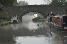 Aynho Wharf - South Oxford Canal by Dave Hamster, via Flickr Barge Boat, Canal Barge, Canal Boat, Oxford United Kingdom, Oxford City, Narrowboat, Boat Design, Dream City, British Isles