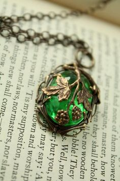 "Vintage Tooled Artisan Brass ""Fruit of the Vine"" Czech Glass Necklace.. so pretty!!"