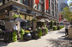 Pub and Restaurant in Chicago | Elephant & Castle