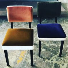 India Mahdavi velvet chairs by pierre frey Pierre Frey, Reception Furniture, Furniture Decor, Furniture Design, Repurposed Furniture, Room Chairs, Dining Chairs, Office Chairs, Side Chairs