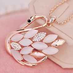 Gorgeous Exquisite Opal and Rhinestone Embellished Swan Pendant Sweater Chain Necklace For Women