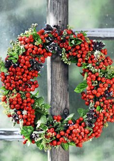 kuva Seasonal Decor, Fall Decor, Holiday Decor, Hobbies And Crafts, Diy And Crafts, Christmas Wreaths, Christmas Decorations, Bouquet, Harvest Party