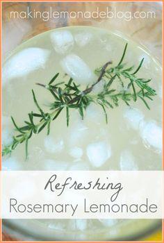 Rosemary Lemonade Recipe (Perfect Summer Beverage!) #summer #recipes via www.makinglemonadeblog.com