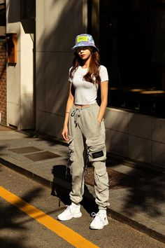You are in the right place about urban fashion streetwear dope outfits Here we offer you the most be Outfits With Hats, Teen Fashion Outfits, Cute Casual Outfits, Stylish Outfits, Teen Street Fashion, Korean Fashion Summer Street Styles, Casual Teen Fashion, Korea Street Style, Korean Outfit Street Styles