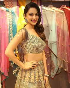 Kiara advani cutest bollywood tempting insane beauty face unseen latest hot sexy images of her body show and navel pics with big cleavage an. South Indian Actress Hot, Indian Actress Photos, Indian Actresses, Actress Pics, Bollywood Girls, Bollywood Celebrities, Cute Beauty, Beauty Full Girl, Kaira Advani
