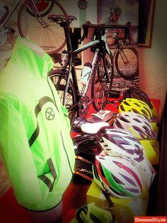 Come tutti gli sport, il ciclismo ha un contenuto tecnico sempre in evoluzione. Omero sa sicuramente come consigliarvi nell'acquisto, grazie alla sua esperienza di meccanico agonistico.