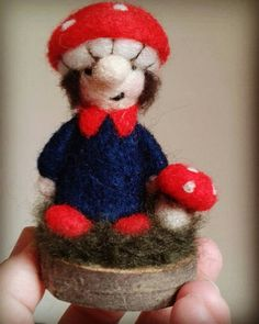 Miniatur-Nadel Filz Giftpilz/Gnome-Ornament. von FeltbyLisa auf Etsy