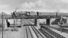 The original bridge that crossed the midland mainline at Loughborough Nottingham Station, Steam Trains Uk, Heritage Railway, Old Train Station, National Railway Museum, Steam Railway, British Rail, Old Trains, Water Tower