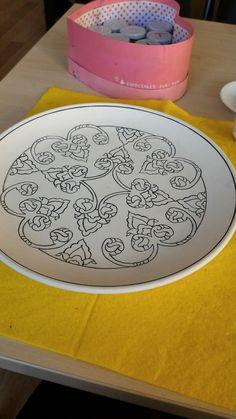 Ceramic Plates, Ceramic Pottery, Pottery Patterns, China Clay, Mandala Doodle, Creta, Turkish Art, Geometric Form, Ceramic Painting