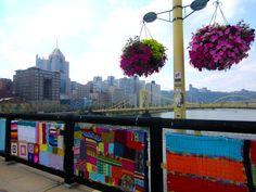 MORE great The Knit the Bridge pics!!!!!!<3 :-)