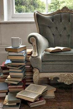 Ah, books and coffee on the weekend.  My idea of the perfect weekend would include a rainy or snowy day.