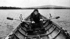 Maa on syntinen laulu, Rauni Mollberg 1973.  Maritta Viitamäki.