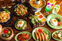 "TAKE OUTのご案内 ""本格エスニックをテイクアウト! 人気のメニューラインナップ 前菜から飯物、麺系など幅広く取り揃えております。 是非ご利用お待ちしております。 Fresh Rolls, Avocado Toast, Mexican, Asian, Breakfast, Ethnic Recipes, Food, Morning Coffee, Essen"