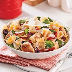 Salade tiède de farfalles au poulet et tomates séchées - Je Cuisine Marinade Sauce, Italian Recipes, Salad Recipes, Potato Salad, Menu, Food Porn, Lunch Box, Food And Drink, Cooking