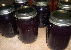 Home canning this grape jam recipe is easy. Many people love grape jelly, I do too! But I find jam recipes are quick and easy. And just as tasty. Canning Tips, Home Canning, Canning Recipes, Concord Grape Jelly, Grape Jam, Jelly Recipes, Jam Recipes, Quick Recipes, Gourmet Recipes