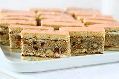 Prăjitura Curcubeu – Regenbogen Schnitte – rețetă veche șvăbească Food Cakes, Deli, Banana Bread, Cake Recipes, Food And Drink, Cooking Recipes, Sweets, Pastries, Desserts
