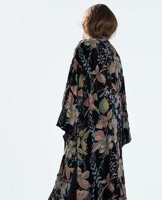 Image 6 of LONG VELVET KIMONO from Zara