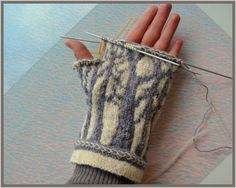 forest mittens--really pretty pattern can't find directions Mittens Pattern, Knit Mittens, Knitted Gloves, Knitting Socks, Hand Knitting, Knitting Patterns, Crochet Patterns, Knitting Projects, Crochet Projects