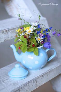 flowers ✿⊱✦★ ♥ ♡༺✿ ☾♡ ♥ ♫ La-la-la Bonne vie ♪ ♥❀ ♢♦ ♡ ❊ ** Have a Nice Day! ** ❊ ღ‿ ❀♥ ~ Sat July 2015 ~ ❤♡༻ ☆༺❀ . Most Beautiful Flowers, Pretty Flowers, My Flower, Flower Power, Fresh Flowers, Wild Flowers, Tea Art, Arte Floral, Ikebana