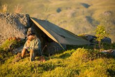 Awesome general bushcraft site.  Lots of good DIY ideas.